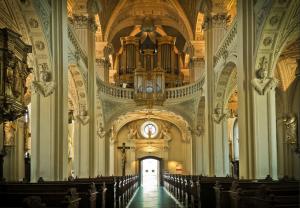 католический храм, орган